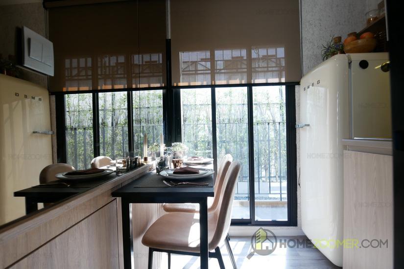 BROWN CONDO HUAI KHWANG