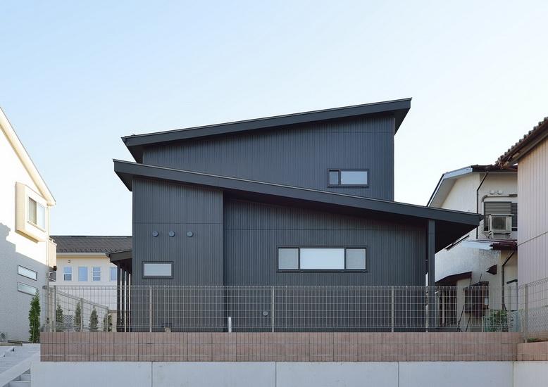 ไอเดีย และแบบการสร้างบ้านรูปทรงกล่องแบบชั้นครึ่ง