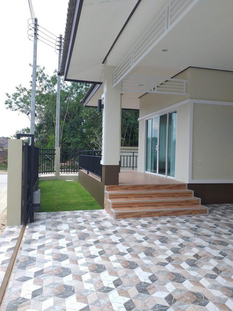 Baan Rinsiri Rayong
